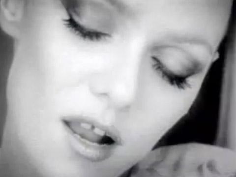Clip. «Dès que je te vois» Vanessa Paradis